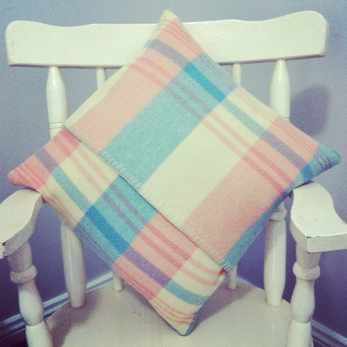 Cosy cushion cover - upcycled woollen blanket